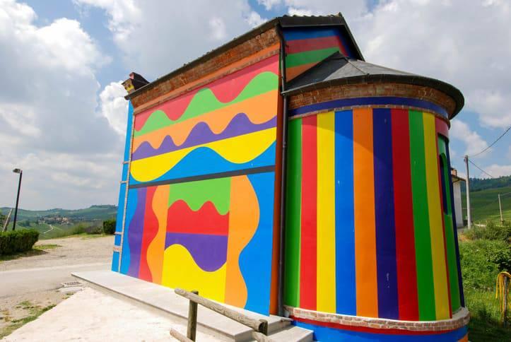 chiesetta colorata