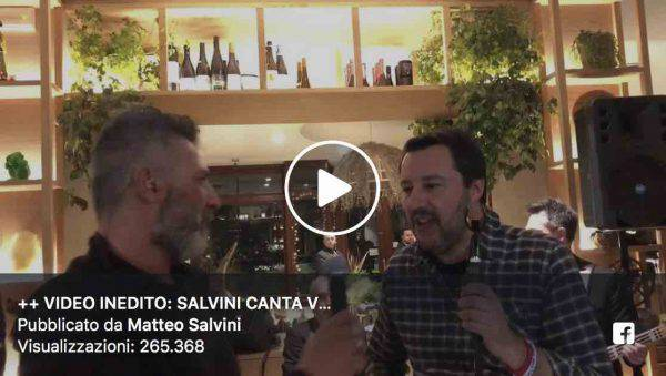 Matteo Salvini Canta ALba CHiara