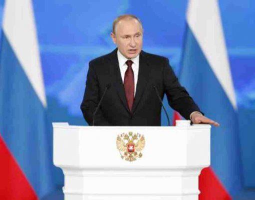 """Putin annuncia: """"Risponderemo ai missili USA in Unione Europea"""""""