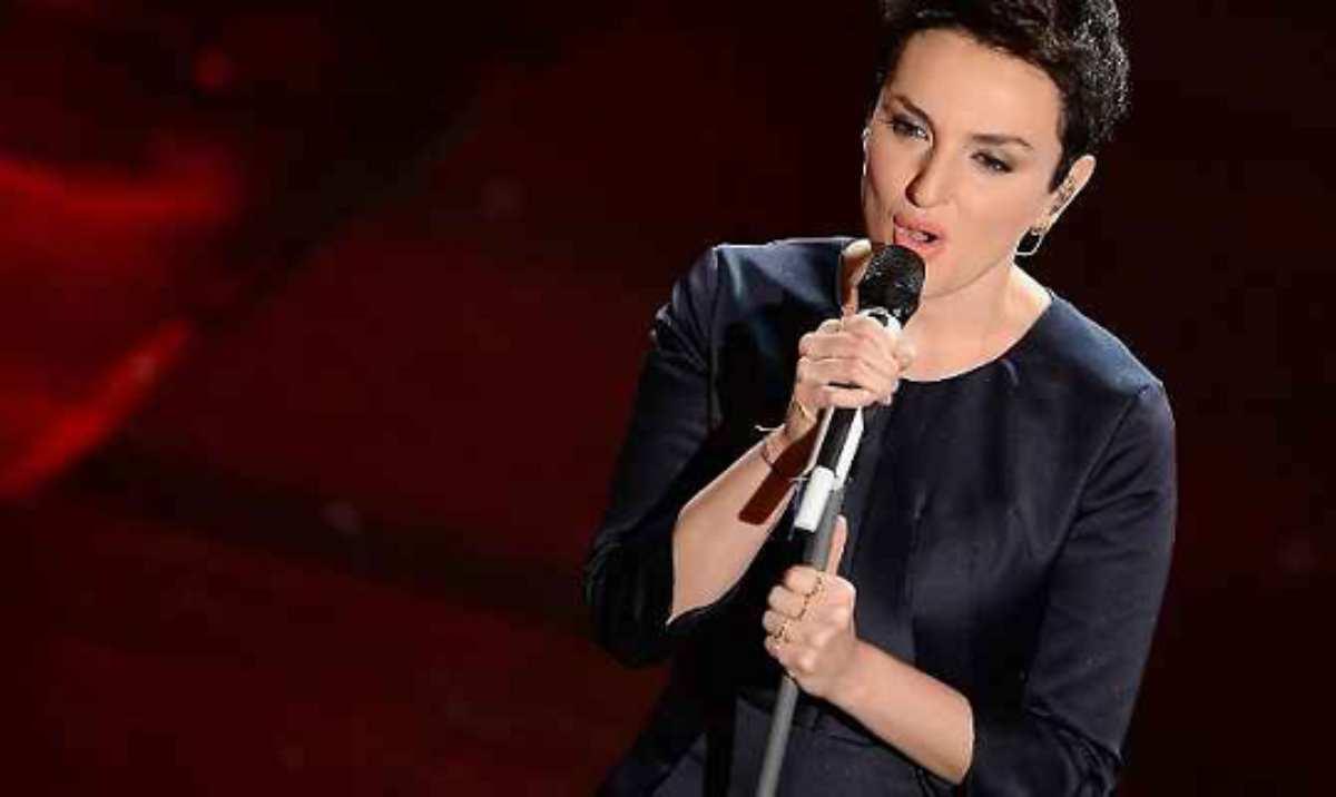 Arisa non sta bene rimane senza voce alla finale di Sanremo