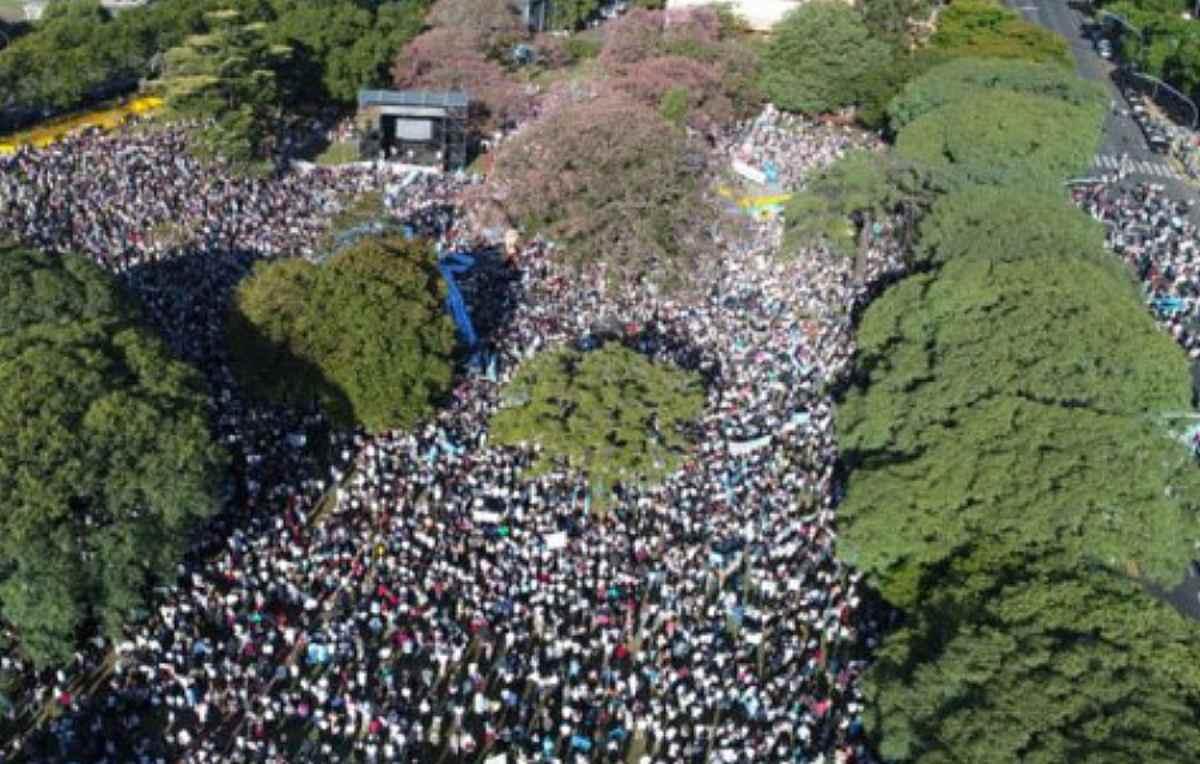 2 milioni di persone sono scese in piazza