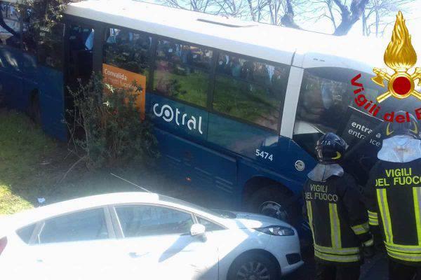 autobus fuori strada
