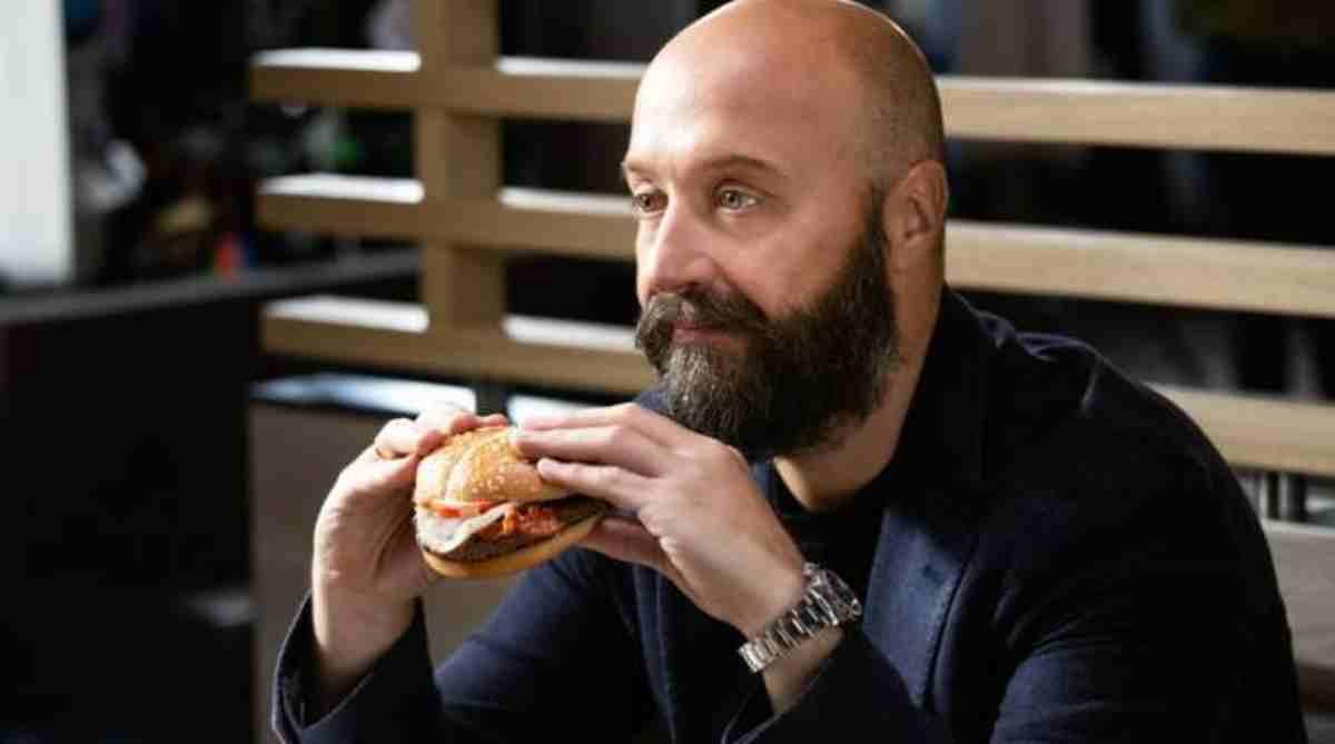 'Che schifo', la foto di un piatto di Joe Bastianch fa rabbrividire