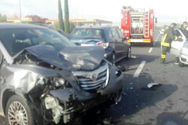Terni, incidente mortale sul raccordo: traffico in tilt