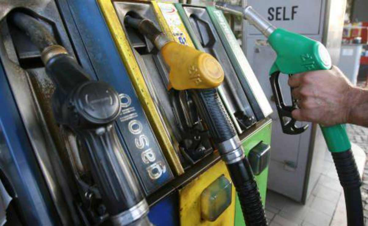 benzina aumento prezzo
