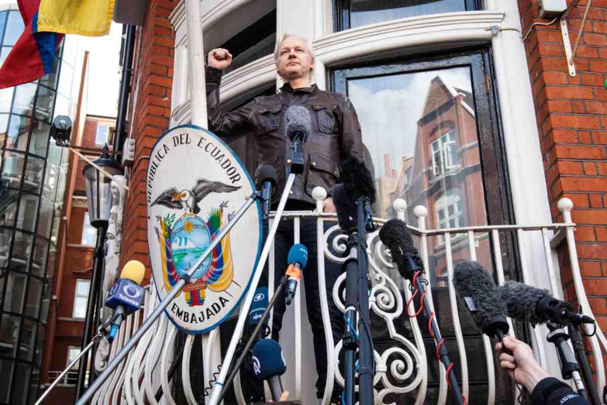 il creatore di WikiLeaks arrestato oggi