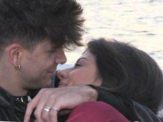 Giulia dà il suo primo bacio