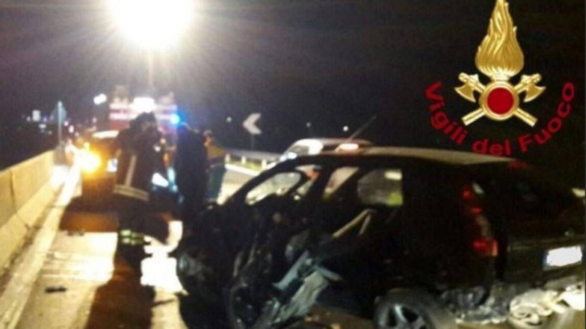 incidente salerno avellino