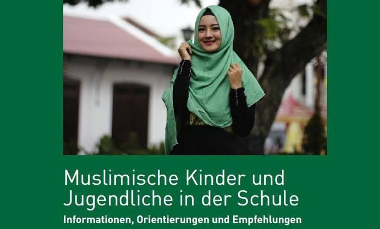"""Bolzano, l'opuscolo per gli studenti islamici diventa un caso: """"Sarà riscritto"""""""