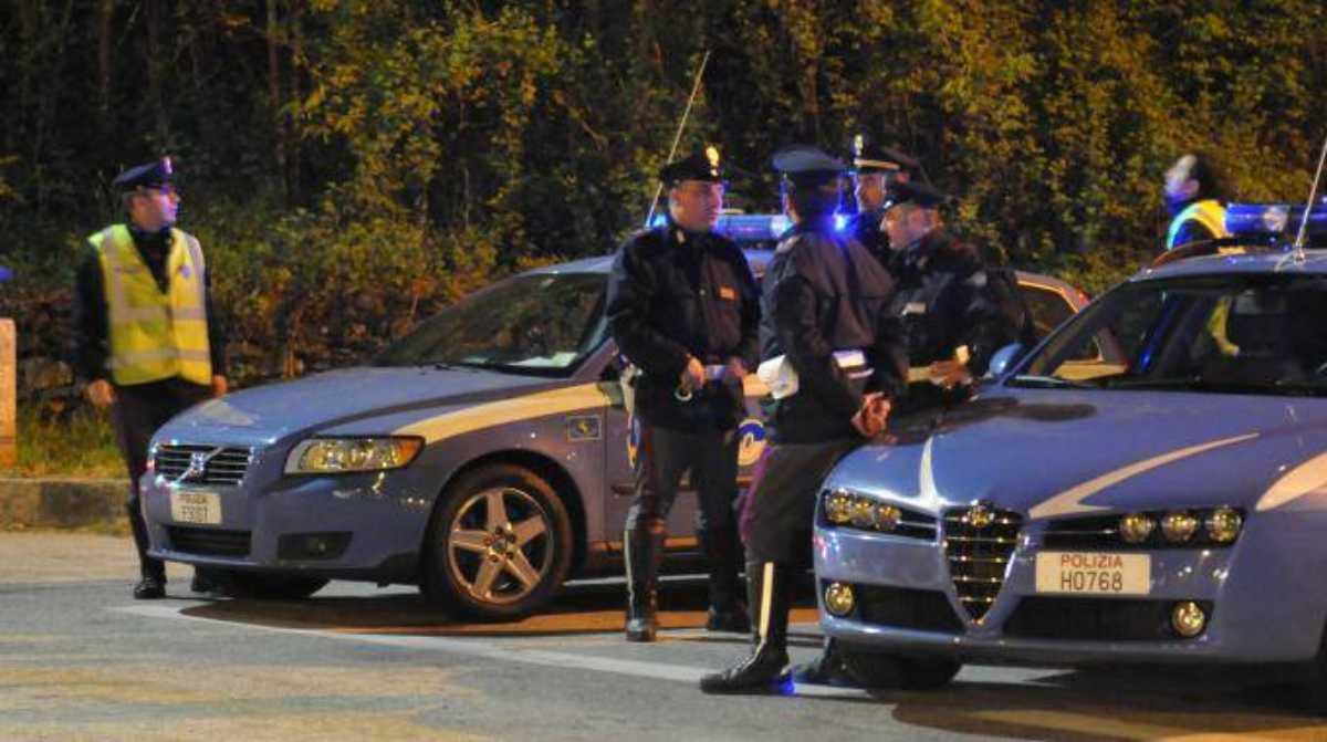 polizia suicidio donna
