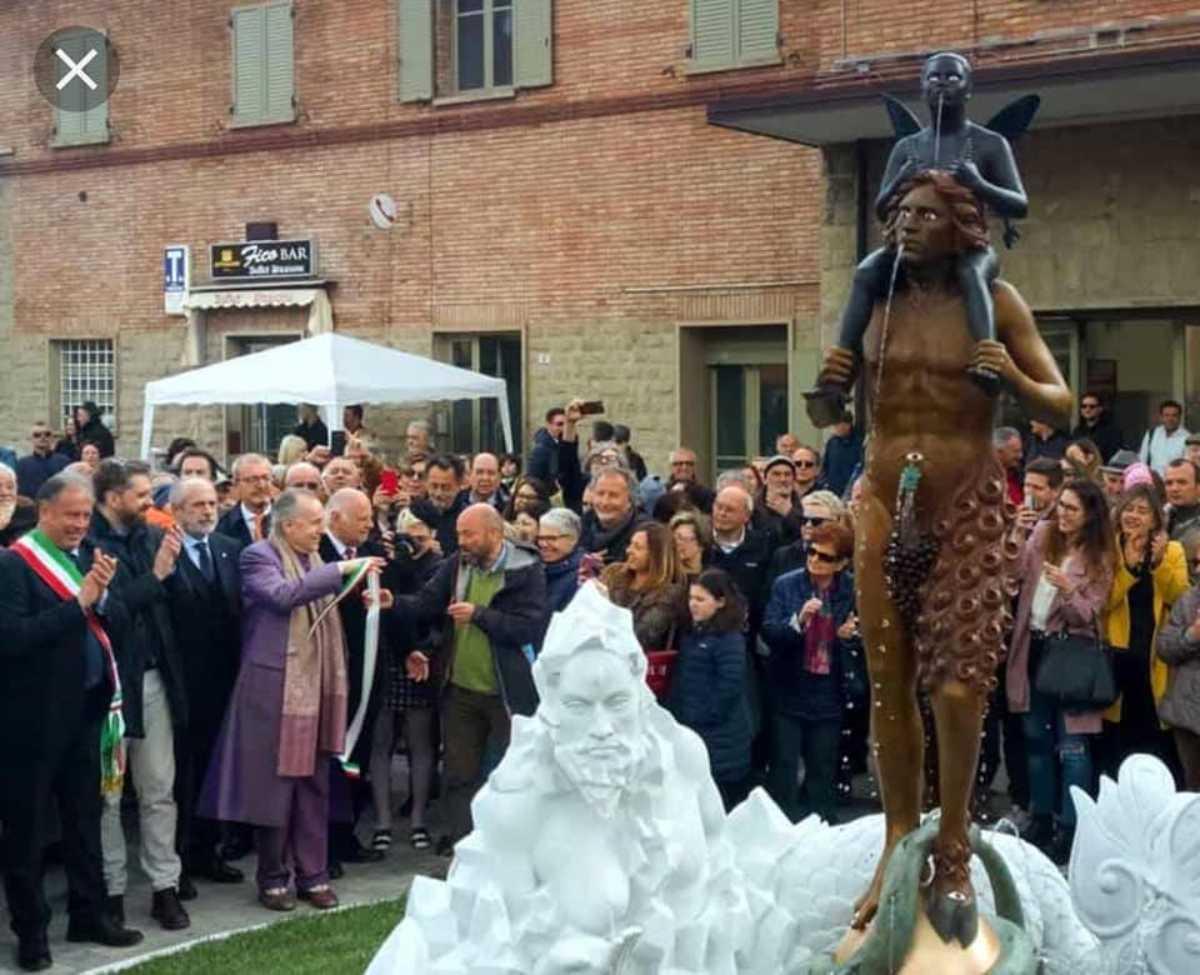 BOLOGNA: Fontana di Vergato imbrattata con il letame