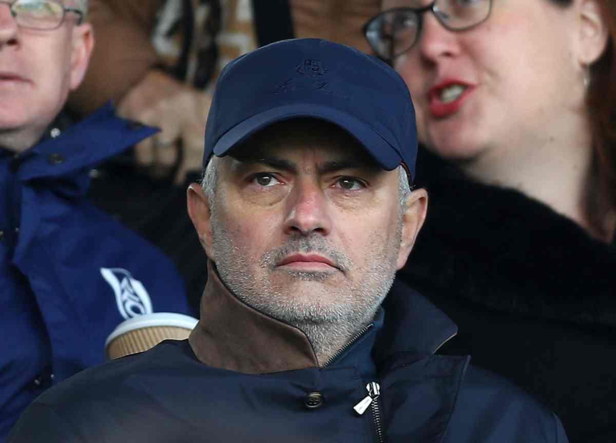 """Josè Mourinho, clamoroso: """"Lo Special One allenerà il Milan"""""""