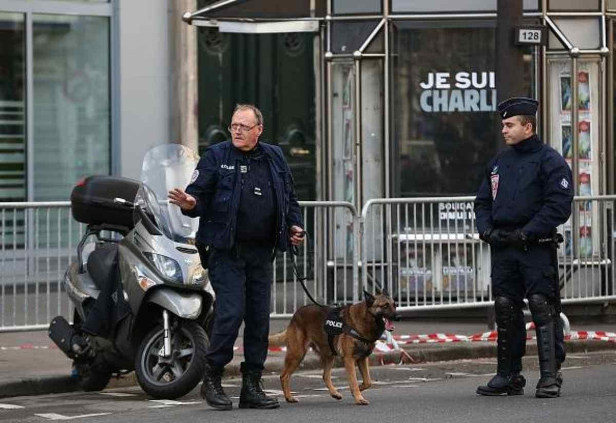 agente segreto italiano morto Parigi