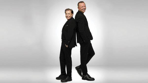 Gigi D'Alessio e Nino D'Angelo, concerti rinviati a settembre