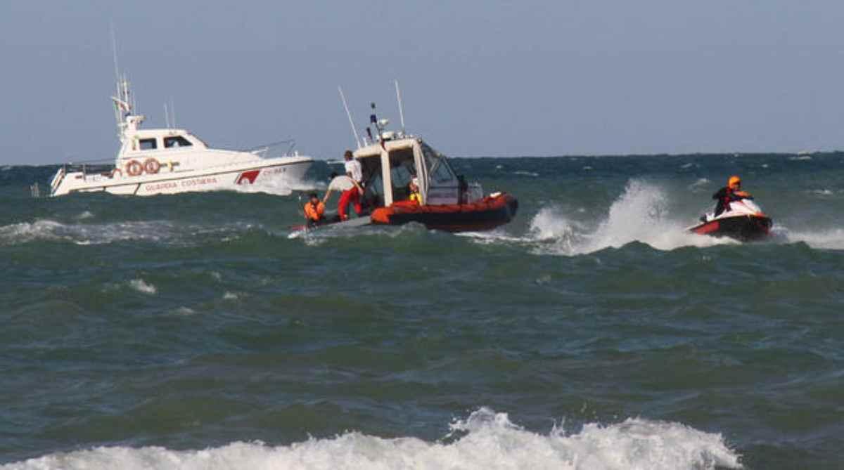 Giulianova, 15enne disperso in mare