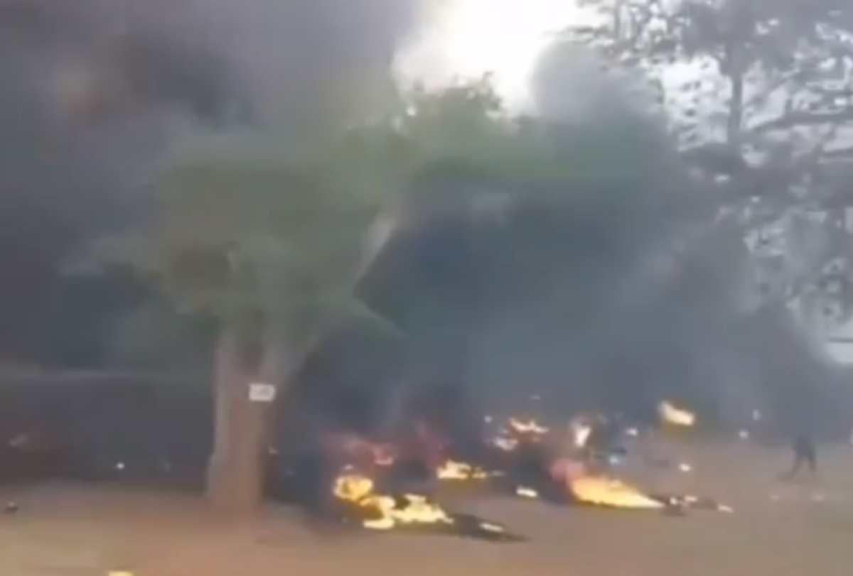 Autocisterna si schianta ed esplode, il bilancio è di 57 vittime
