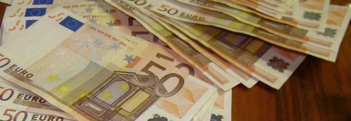 Imprenditore regala 200 mila euro ai dipendenti