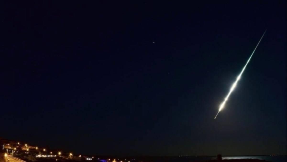 Spettacolare bagliore nella notte, Meteorite