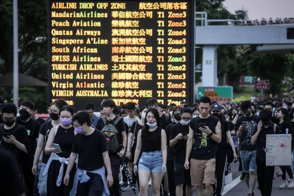 caos aeroporto hong kong