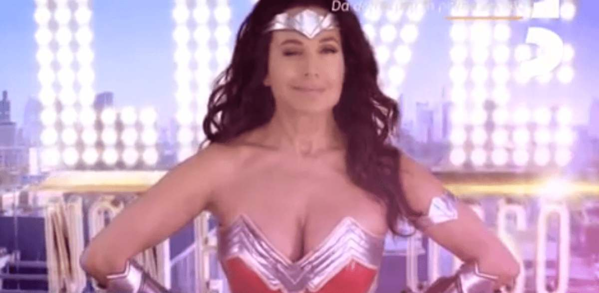 Barbara D'Urso in versione Wonder Woman