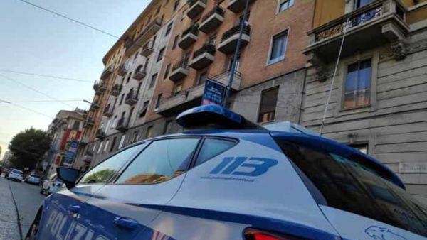 Milano, madre precipita con la figlia e muore