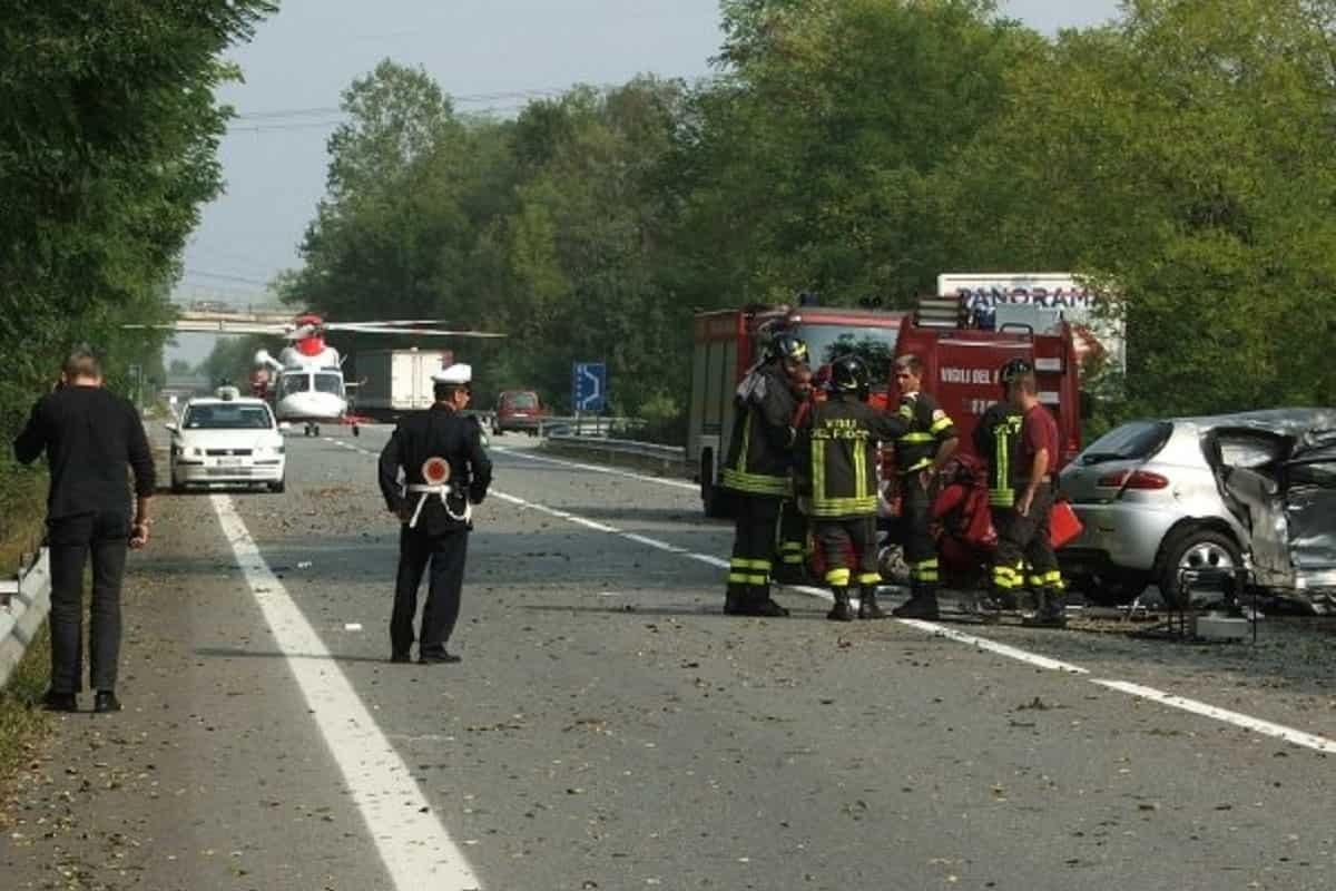 Carambola infernale: strage sulla Statale 460 vicino Torino