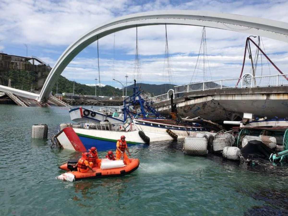 ponte crollato taiwan