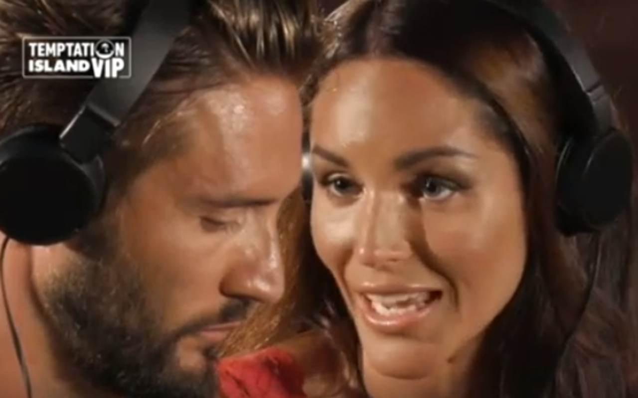 Temptation Island Vip, il falò di Alex e Delia fa ridere tutti – VIDEO
