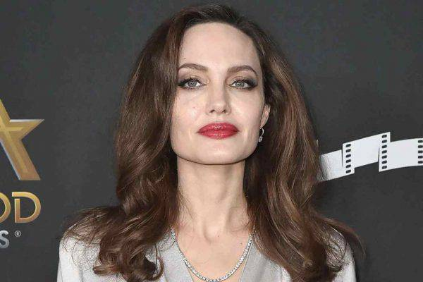 Angelina Jolie sosia