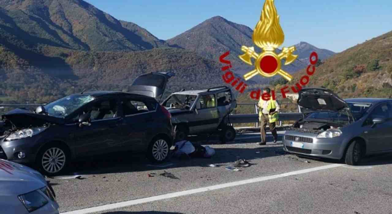 incidente stradale avellino