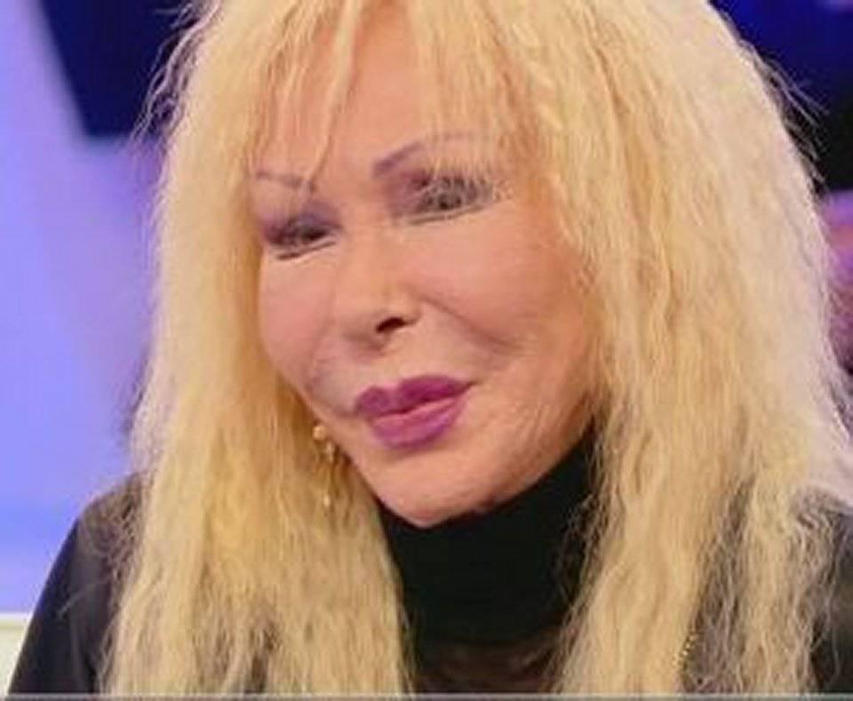 Wanda Fisher, chi è: età, vita privata, carriera della sosia di Ivana ...