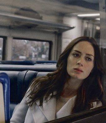 La ragazza del treno cast