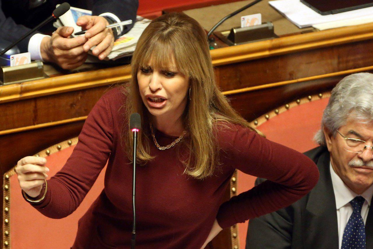 Chi E Alessandra Mussolini Eta Carriera E Vita Privata Della Politica Italiana