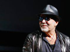Vasco Rossi furioso, truffa incredibile: i fans sono incredu