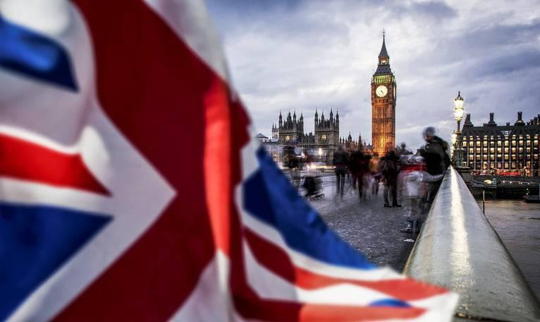 Brexit, ipotesi e-visa e passaporto per gli europei