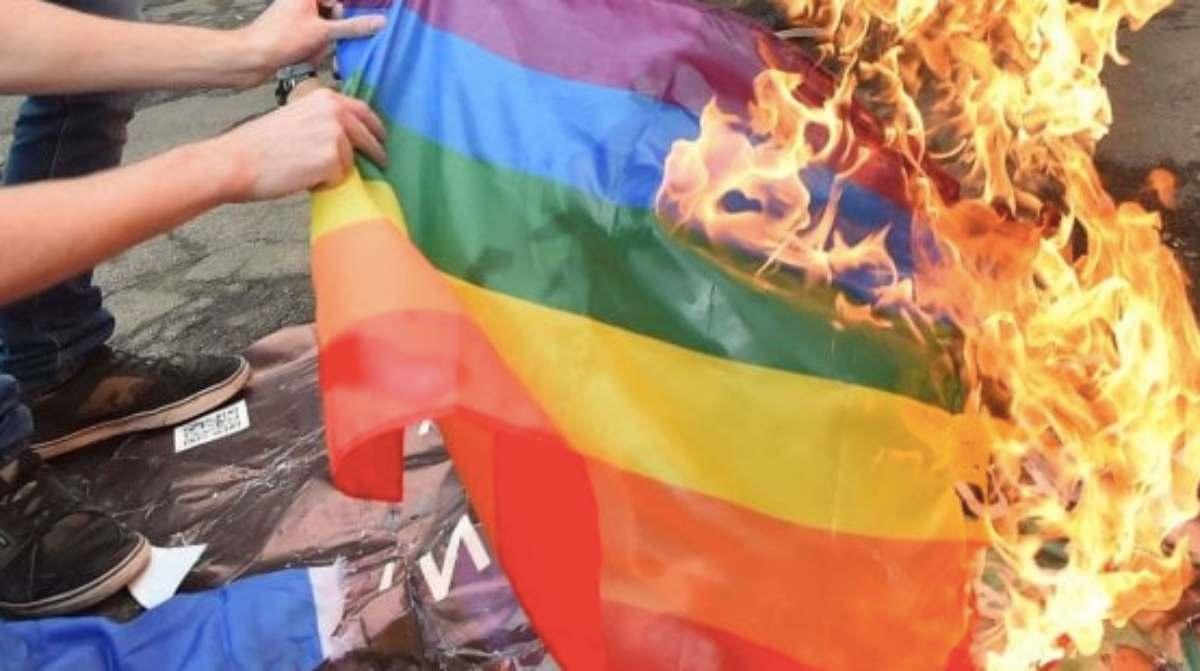Usa: brucia bandiera Lgbtq, condannato a 15 anni carcere