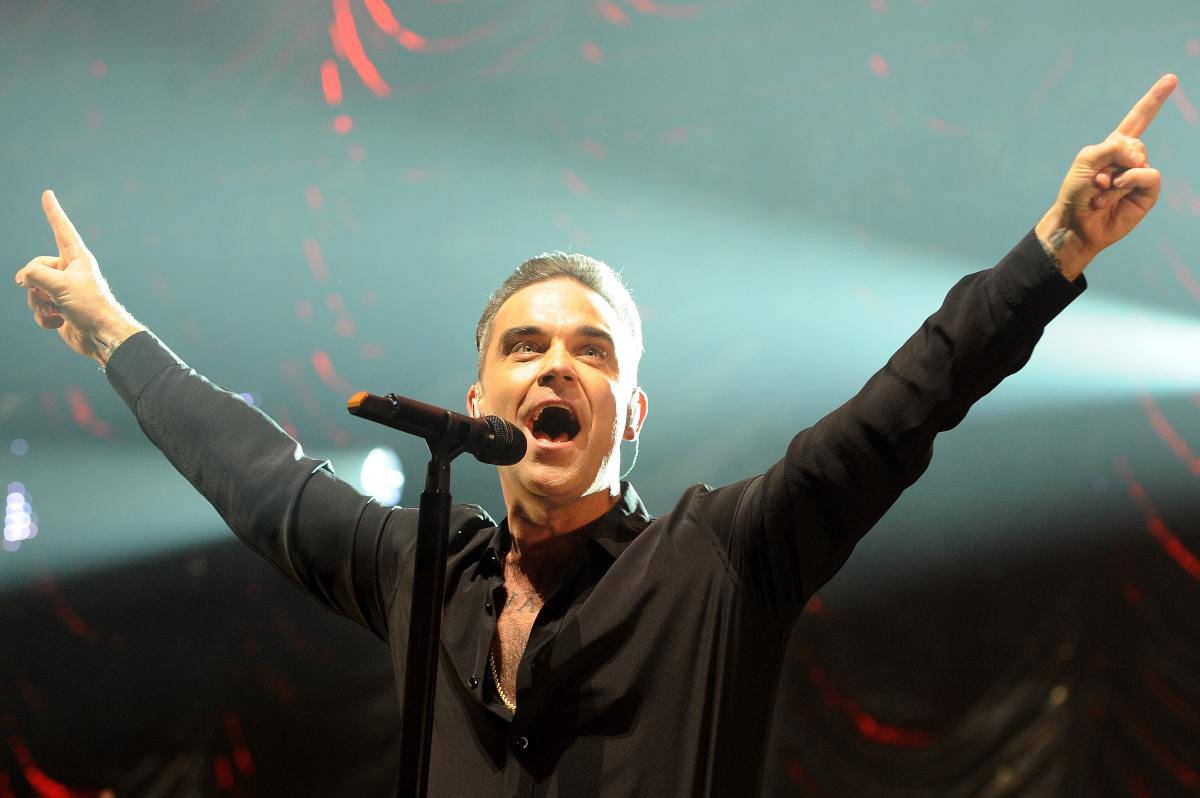 Robbie Williams, chi è: età, vita privata e carriera del cantante inglese
