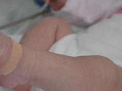 Roma: partorisce in casa e uccide la neonata, arrestata