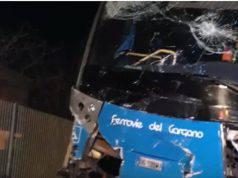 Foggia, pullman di linea travolge un'auto: due morti – VIDEO