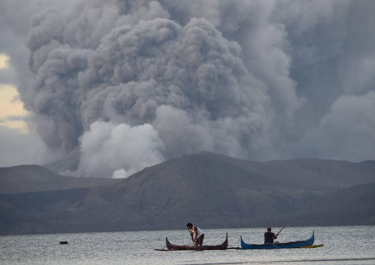 eruzione vulcano filippine turisti
