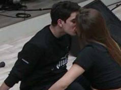 Amici bacio Javier Talisa