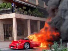 Ferrari in fiamme