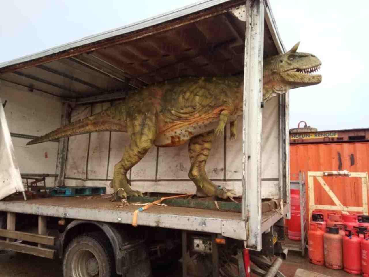 Papà compra dinosauro