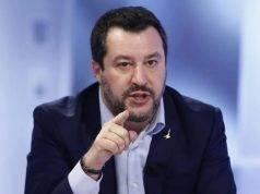 Salvini chiede l'apertura delle chiese per le celebrazioni d