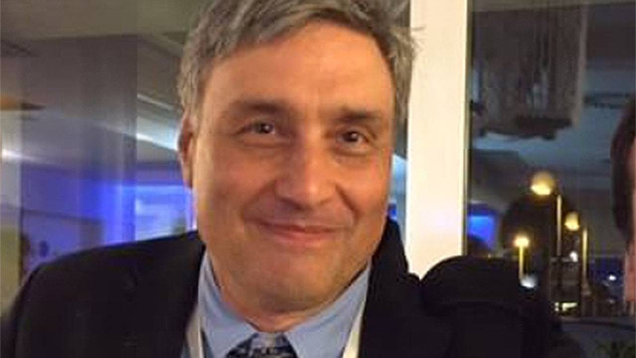 Guido Silvestri, chi è: vita e carriera del patologo che studia il ...