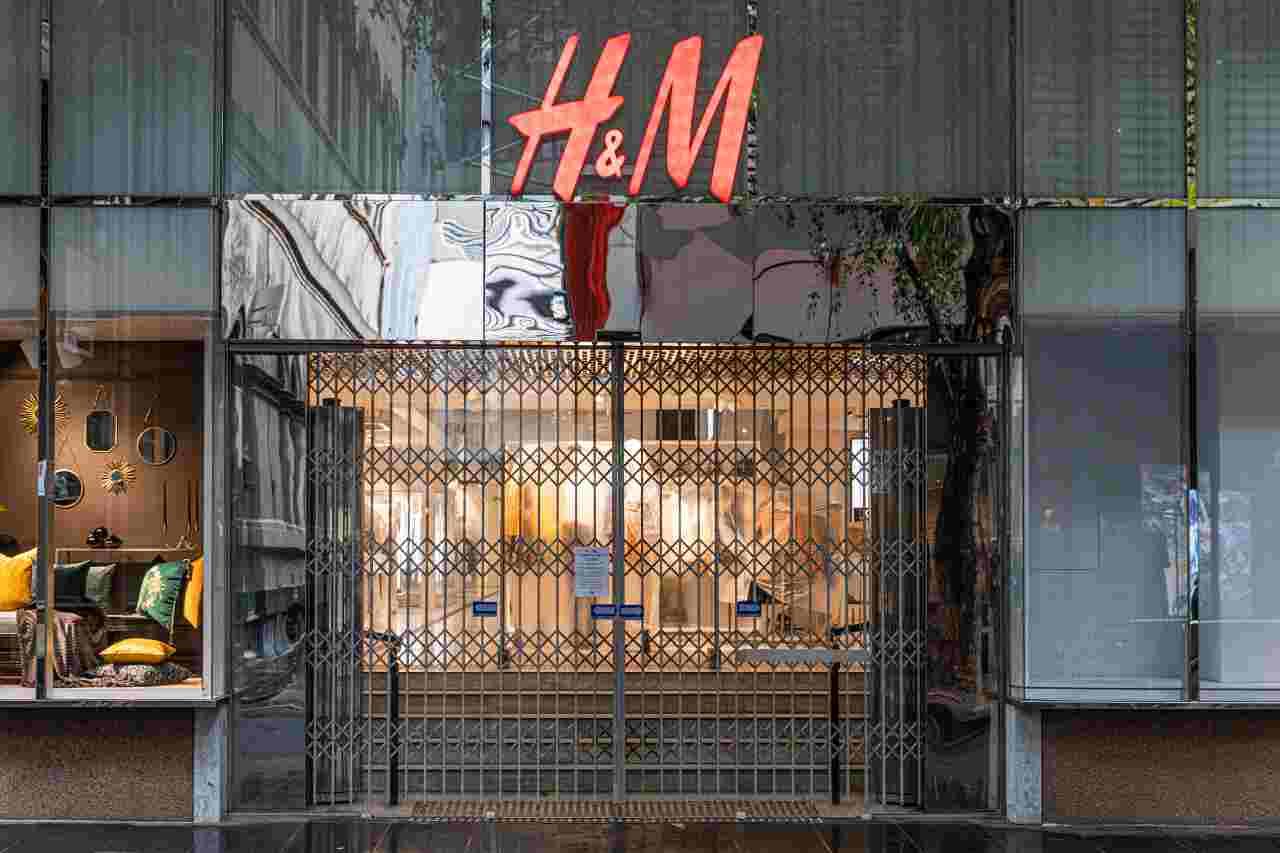 H&M chiude negozi