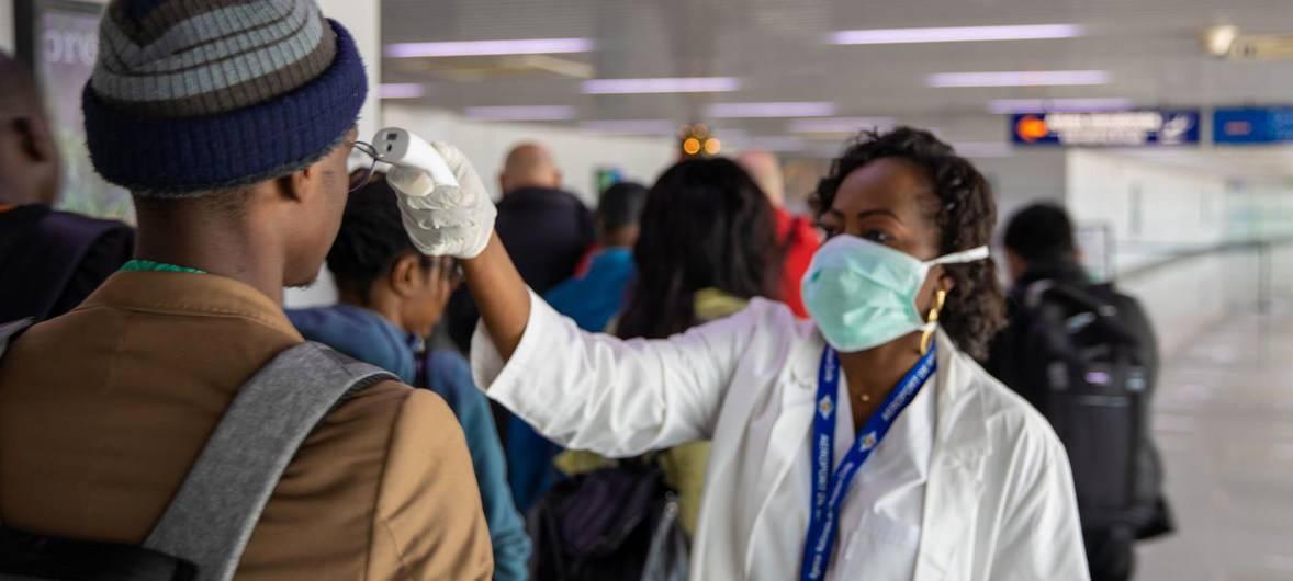 coronavirus in aeroporto