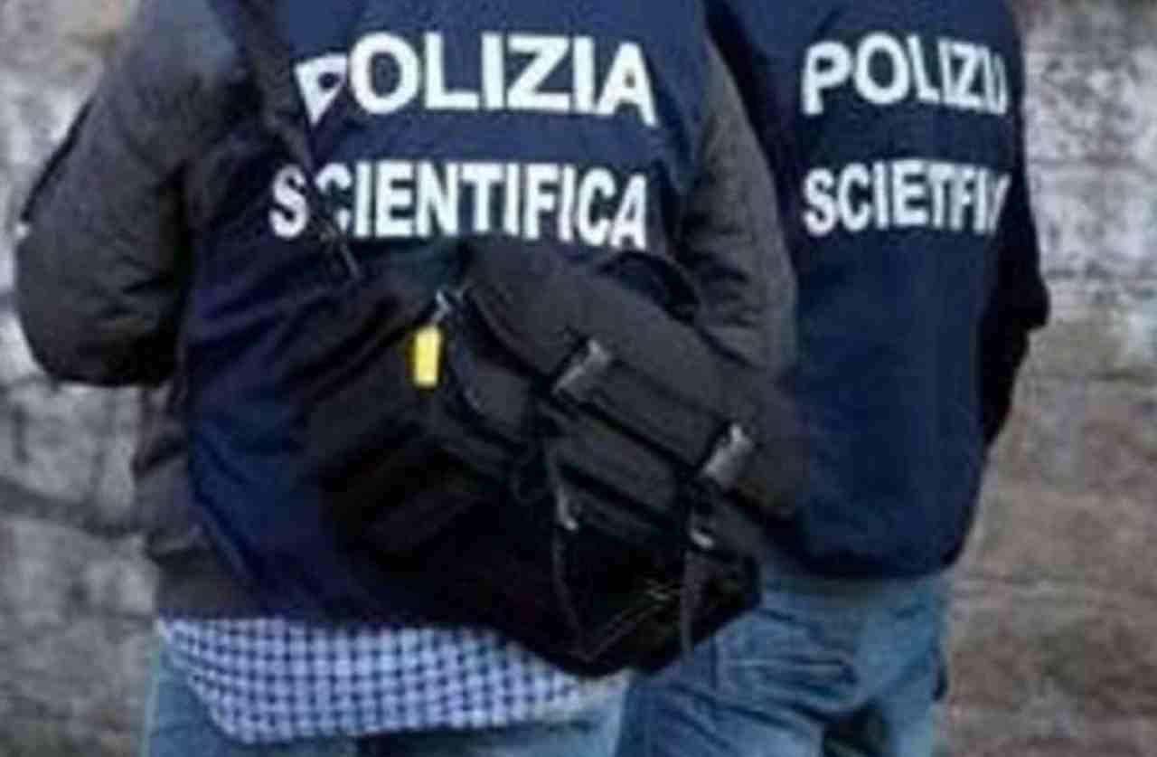 suicidio Bologna