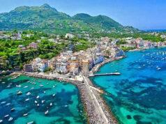 Vacanze estate 2020 ad Ischia, l'isola campana sommersa nel