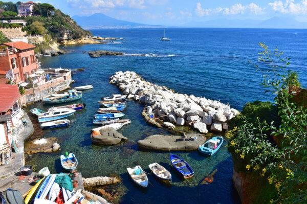 Le migliori spiagge libere di Napoli